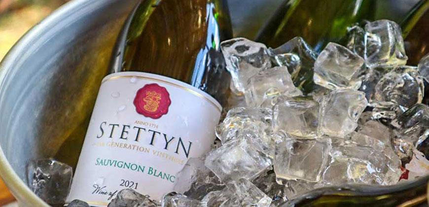 Sauvignon blanc 2021 - Stettyn Wines - in ice bucket